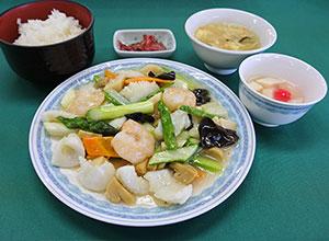塩海鮮炒め(土日限定・数量限定)